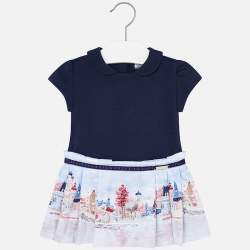 Mayoral dress with winter city view