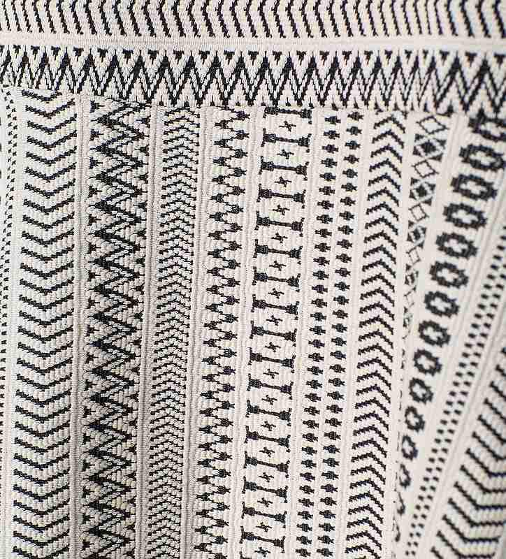 add5a111b9 ... ZARA fekete fehér mintás ruha
